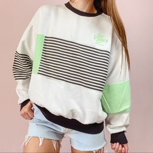 ⭐️ VINTAGE ⭐️ 90's Lime Green and Black Sweatshirt